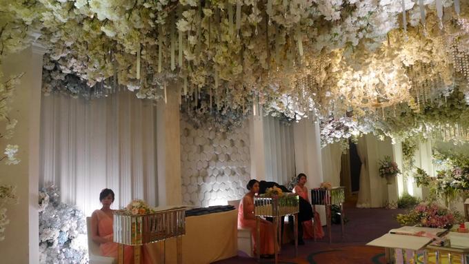 The Wedding of Andri & Mega  by Bonzai Decoration - 019