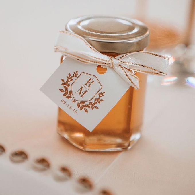 honey in jar souvenirs by Book.Idea - 002