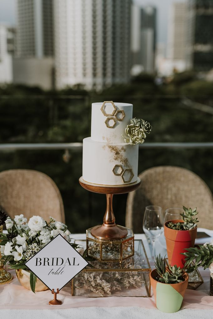 Modern Eclectic 2 by Everitt Weddings - 005