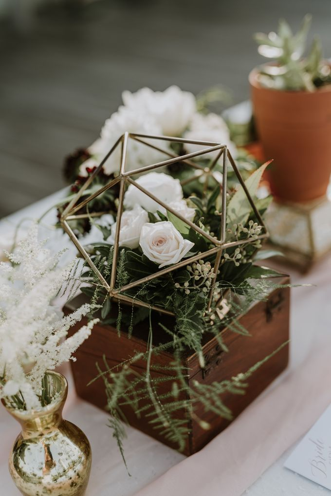 Modern Eclectic 2 by Everitt Weddings - 009