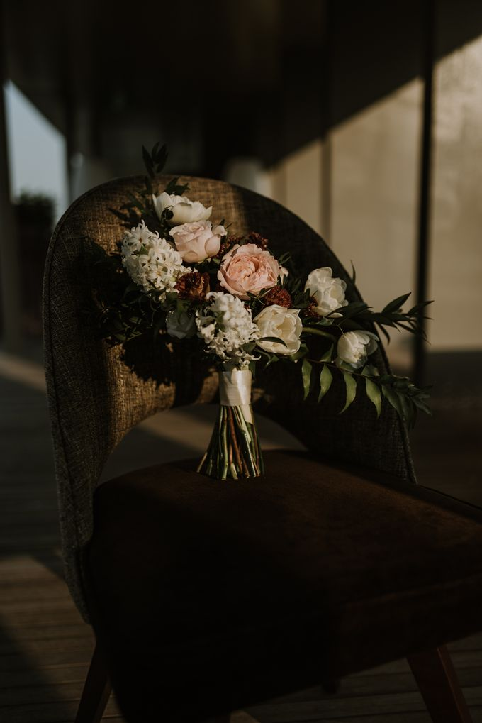 Modern Eclectic 2 by Everitt Weddings - 041
