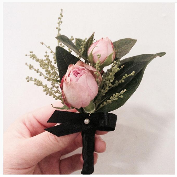 Boutonniere & Corsage by La Belle Vie flower - 001