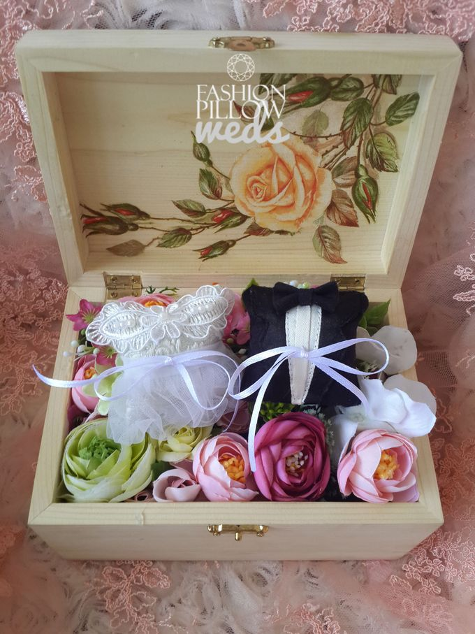 Wedding Ring Flower Box by Fashion Pillow Weds - 001