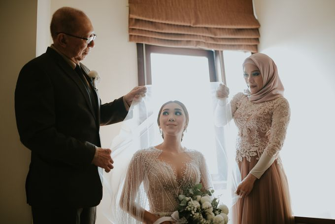 The Royal Wedding Emily & Gandy at Menara Peninsula by Warna Project - 004