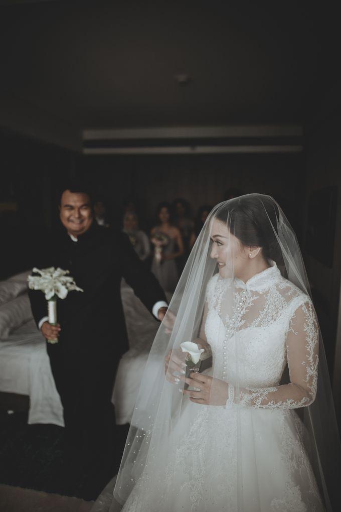 Bram & Tiany Wedding Day by One Heart Wedding - 042
