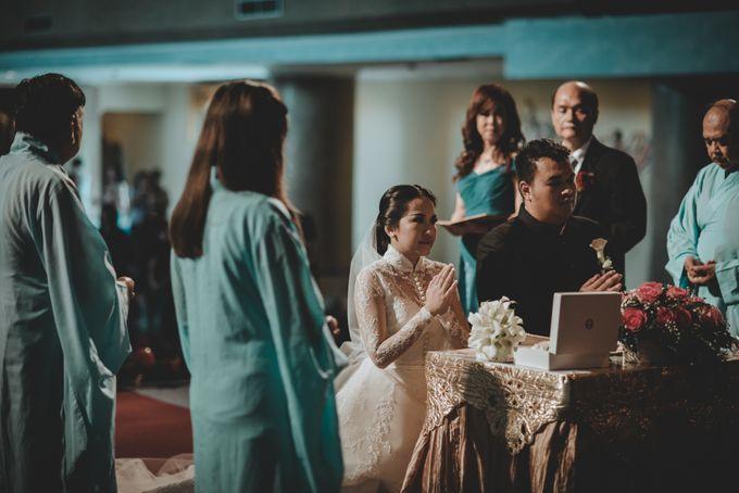 Bram & Tiany Wedding Day by One Heart Wedding - 050