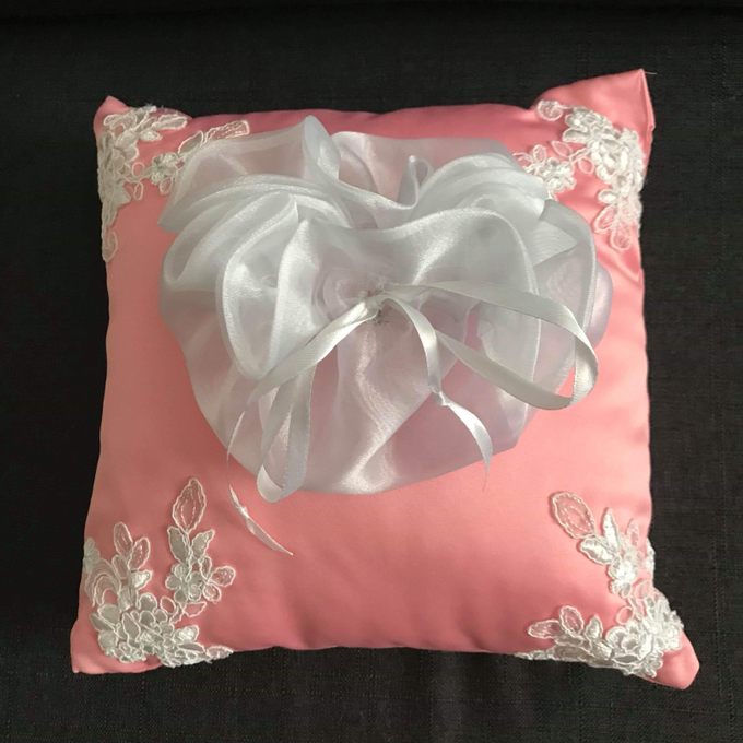 Pastel Wedding Pillows by La Bella - 001