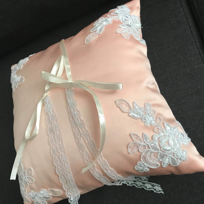 Pastel Wedding Pillows by La Bella - 005