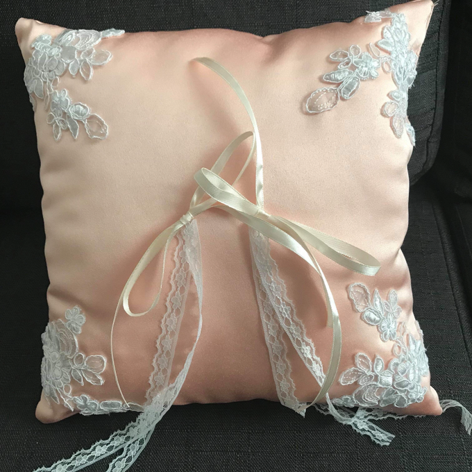 Pastel Wedding Pillows by La Bella - 006
