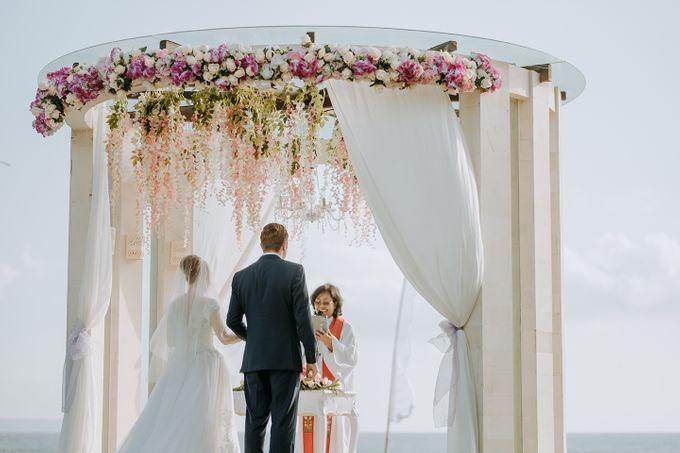 Wedding of Olivia & Brett by Nika di Bali - 010