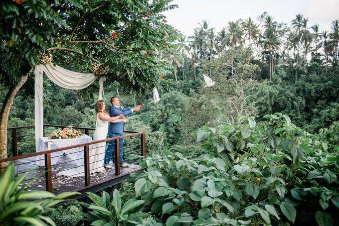 INTIMATE FOREST WEDDING - LAUREN & KAREEM by Kamandalu Ubud - 005