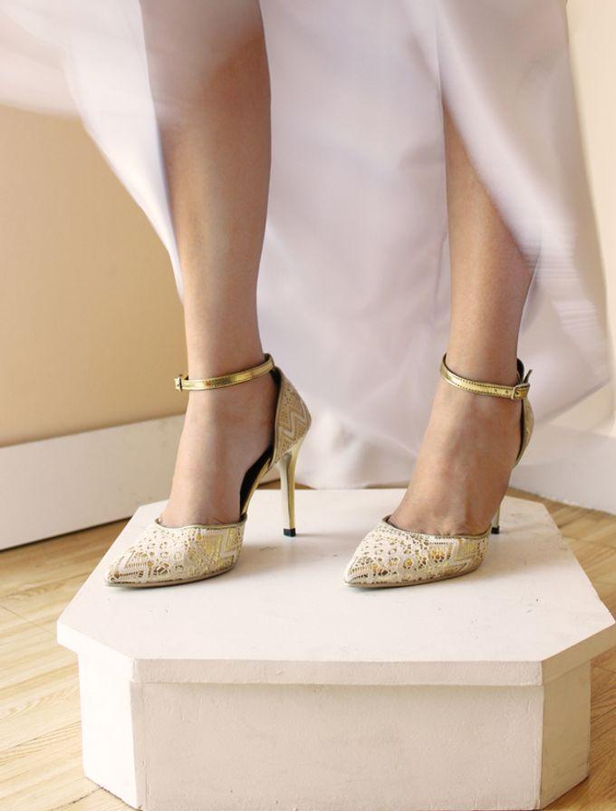 Bridal Lace Shoes by Risqué Designs - 001