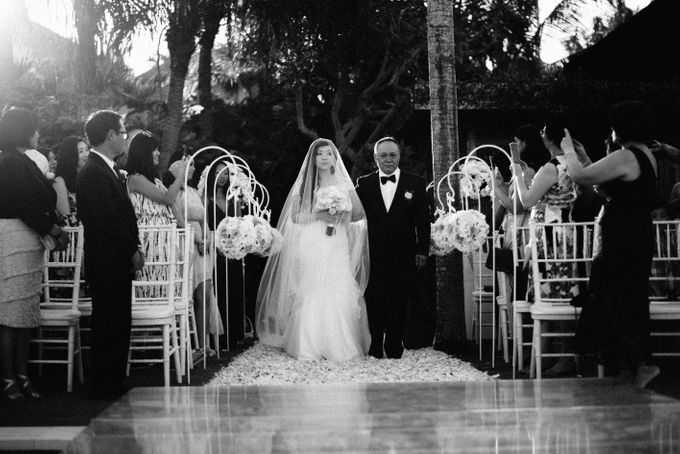 Wedding of Johanna & Michael by Lily Wedding Services - 009