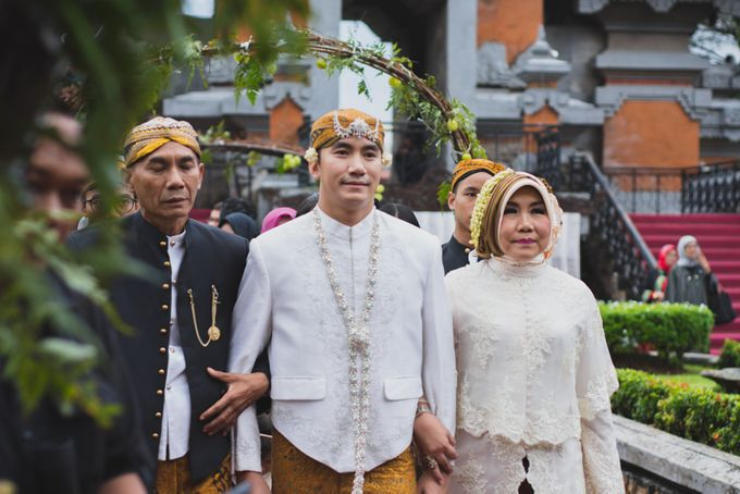 Rustic Theme Outdoor Wedding - Museum Indonesia TMII by AKSA Creative - 012