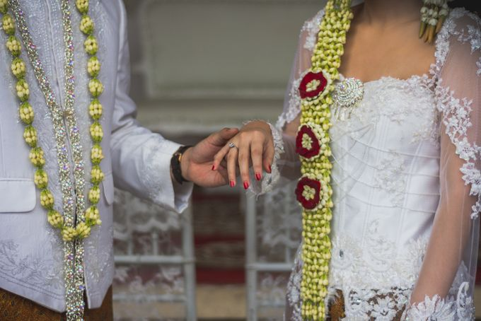 Rustic Theme Outdoor Wedding - Museum Indonesia TMII by AKSA Creative - 024