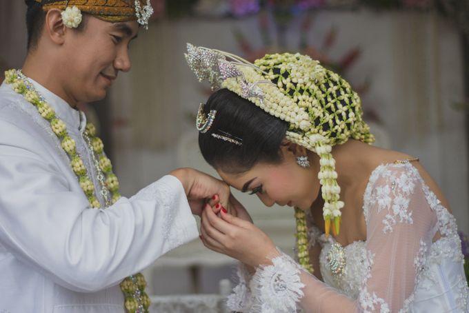 Rustic Theme Outdoor Wedding - Museum Indonesia TMII by AKSA Creative - 026