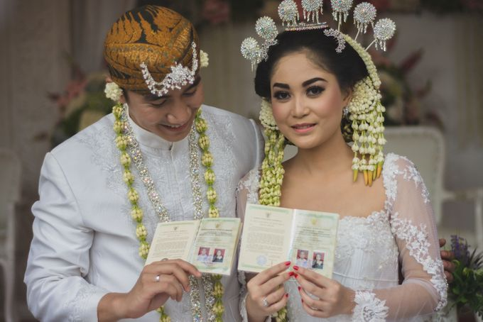 Rustic Theme Outdoor Wedding - Museum Indonesia TMII by AKSA Creative - 028