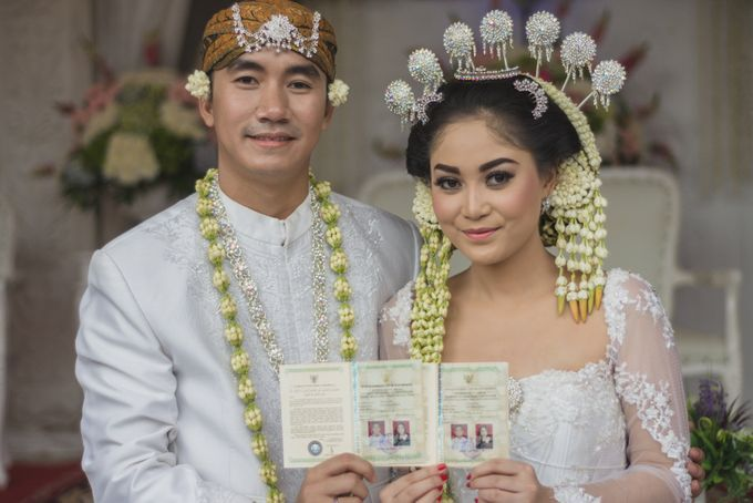 Rustic Theme Outdoor Wedding - Museum Indonesia TMII by AKSA Creative - 029
