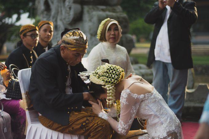 Rustic Theme Outdoor Wedding - Museum Indonesia TMII by AKSA Creative - 033
