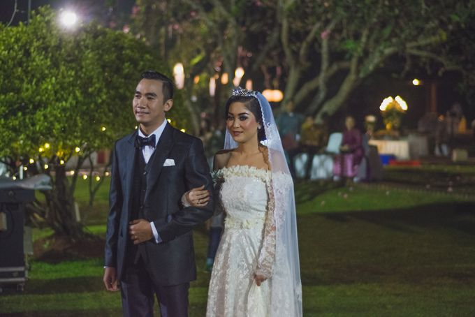 Rustic Theme Outdoor Wedding - Museum Indonesia TMII by AKSA Creative - 040