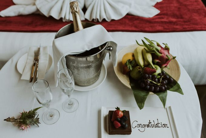 Tropical Wedding Inspirations by TangYong Hair & Makeup - 034