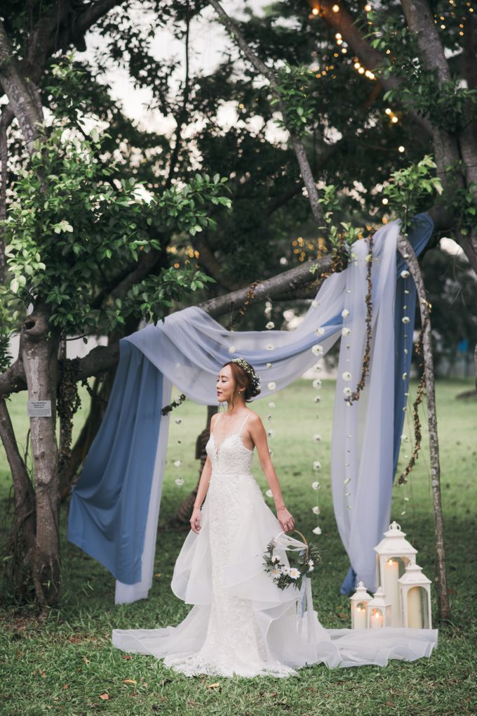 A Dusty Blue Greenhouse Wedding Inspiration by Lovemark Diamond - 005