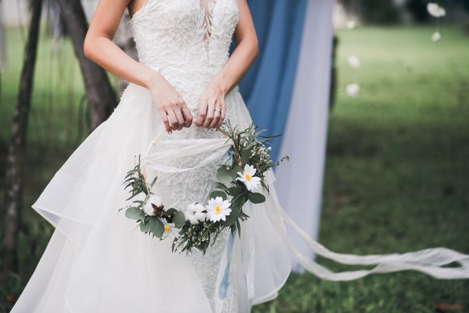 A Dusty Blue Greenhouse Wedding Inspiration by Lovemark Diamond - 002