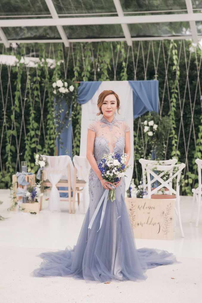 Dusty Blue Wintry Theme Styled Shoot with Bridestory by Ever & Blue Floral Design - 012
