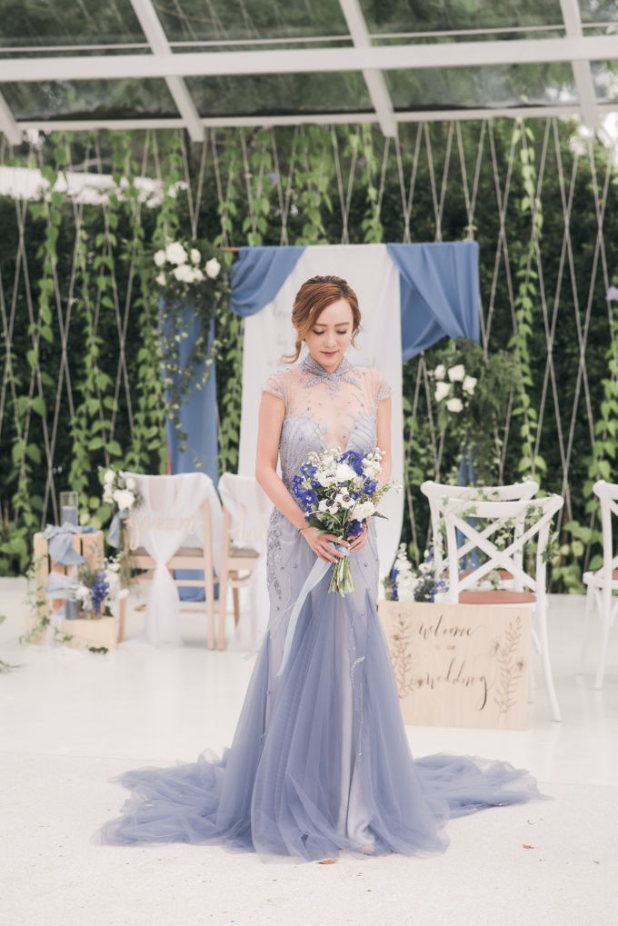 Dusty Blue Wintry Theme Styled Shoot with Bridestory by Ever & Blue Floral Design - 013
