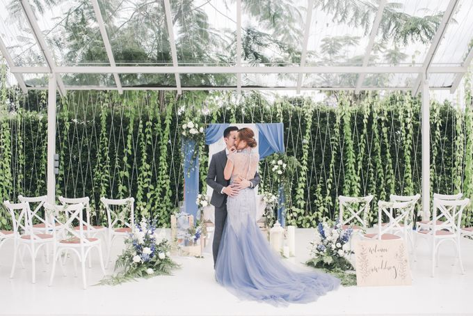 Dusty Blue Wintry Theme Styled Shoot with Bridestory by Ever & Blue Floral Design - 019