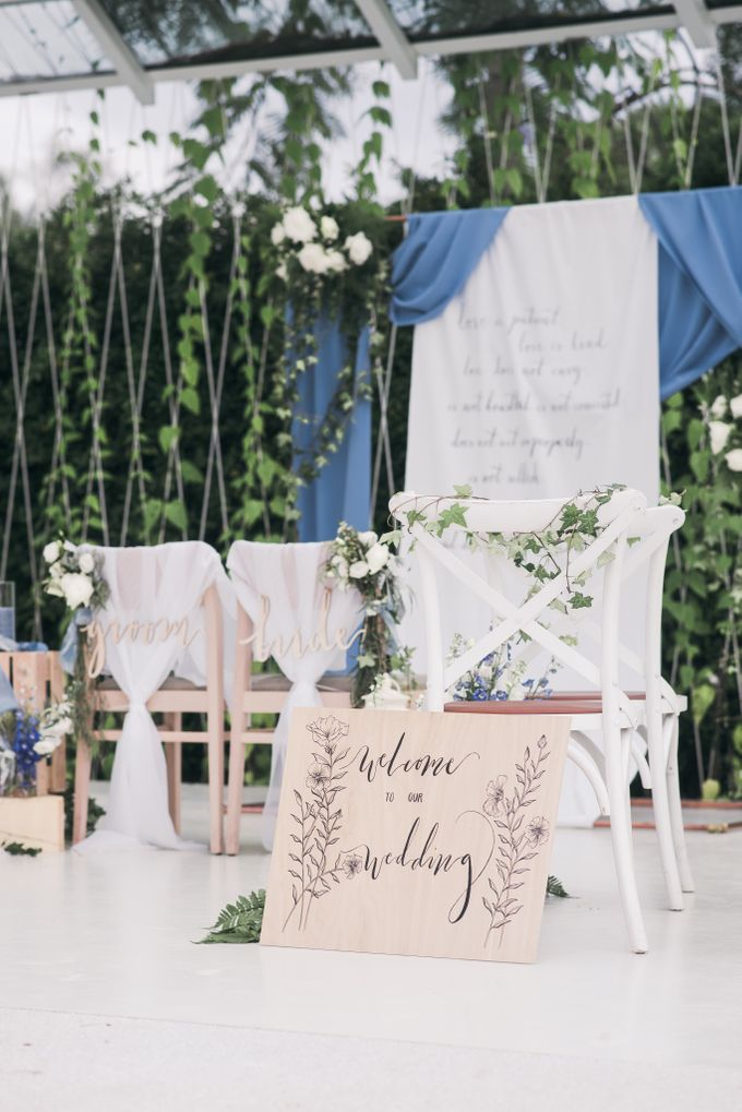 Dusty Blue Wintry Theme Styled Shoot with Bridestory by Ever & Blue Floral Design - 029