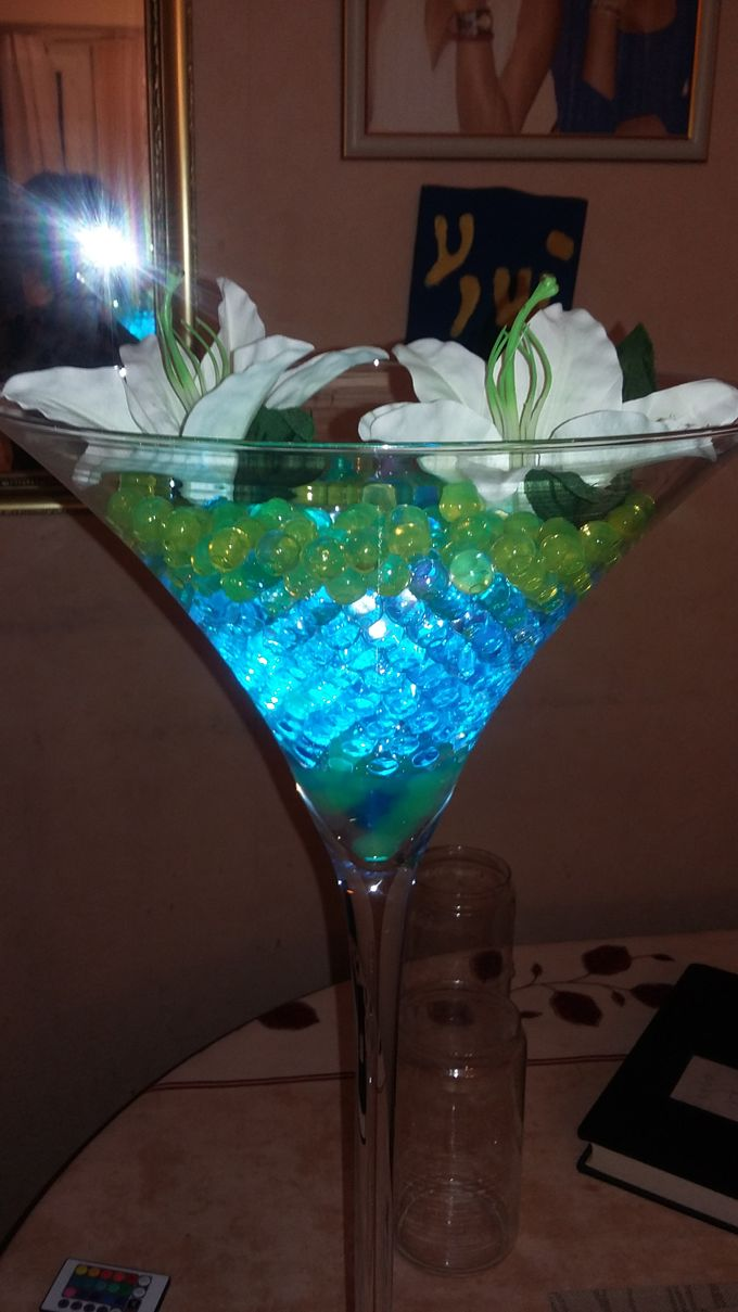 Create A Simple Centerpiece With A Small Budget by Kamy Wedding - 005