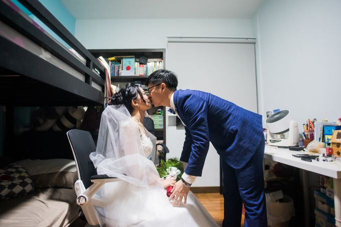 Wedding Day of  JT and KW Swissotel Merchant Court Singapore by oolphoto - 012