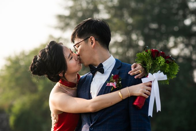 Wedding Day of  JT and KW Swissotel Merchant Court Singapore by oolphoto - 033
