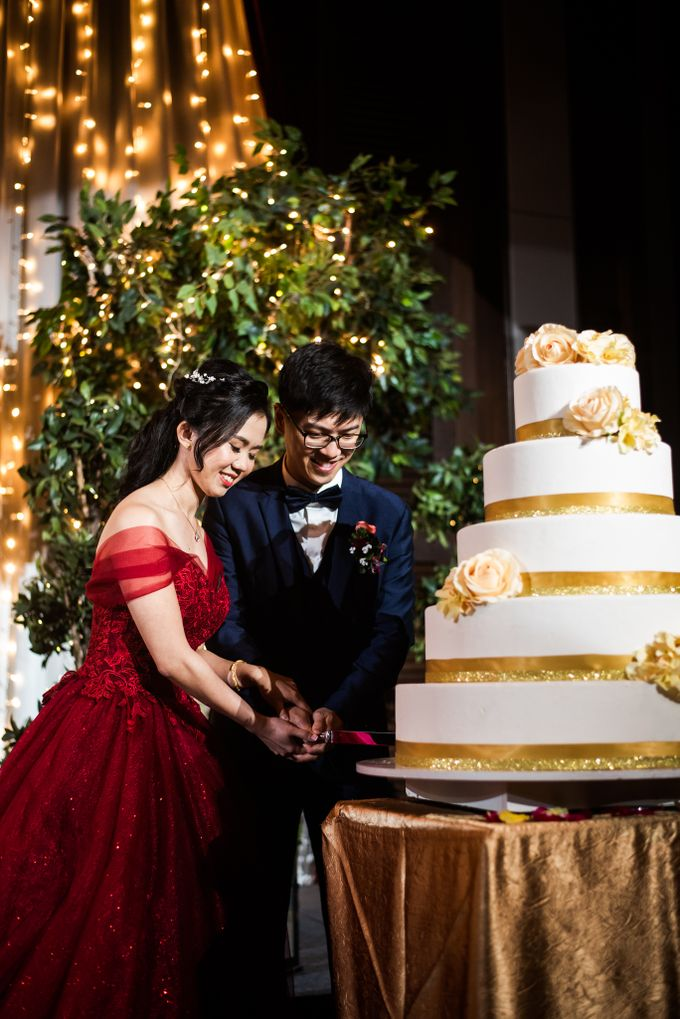Wedding Day of  JT and KW Swissotel Merchant Court Singapore by oolphoto - 042