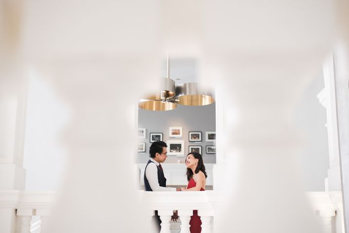 Prewedding Photography of Esther and Yaosong indoor Singapore Prewedding and Engagement Session Photoshoot by oolphoto - 001