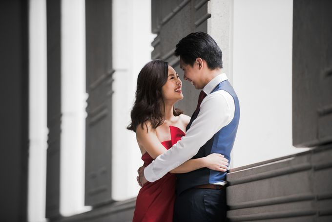 Prewedding Photography of Esther and Yaosong indoor Singapore Prewedding and Engagement Session Photoshoot by oolphoto - 003