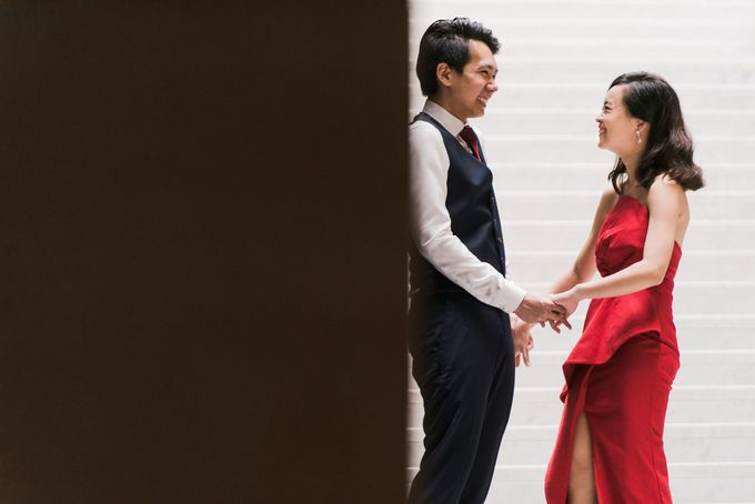Prewedding Photography of Esther and Yaosong indoor Singapore Prewedding and Engagement Session Photoshoot by oolphoto - 007