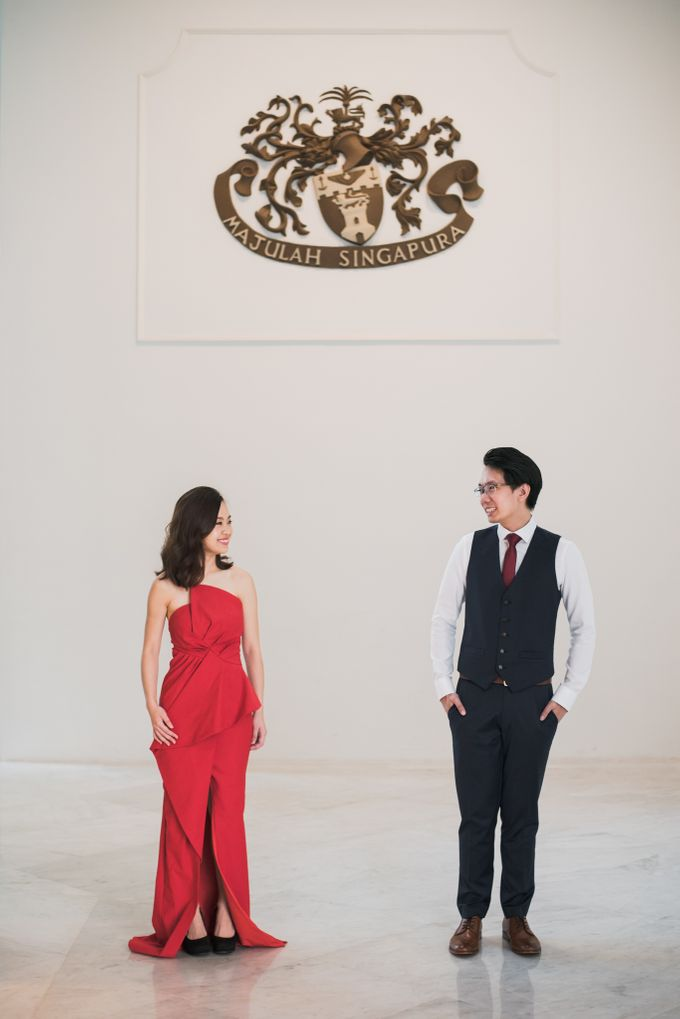 Prewedding Photography of Esther and Yaosong indoor Singapore Prewedding and Engagement Session Photoshoot by oolphoto - 009