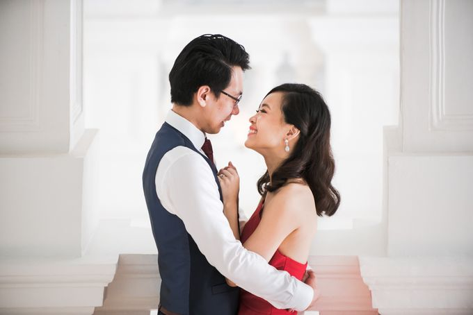 Prewedding Photography of Esther and Yaosong indoor Singapore Prewedding and Engagement Session Photoshoot by oolphoto - 016