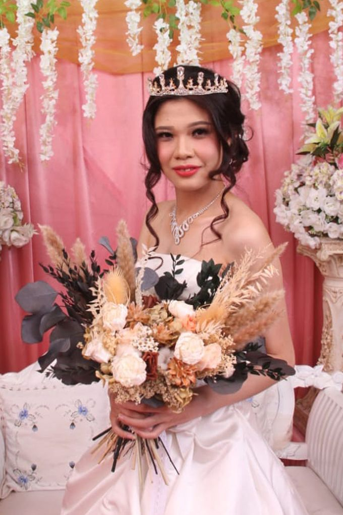 Wedding of Jonathan & Christiana by Lavish Flower - 002