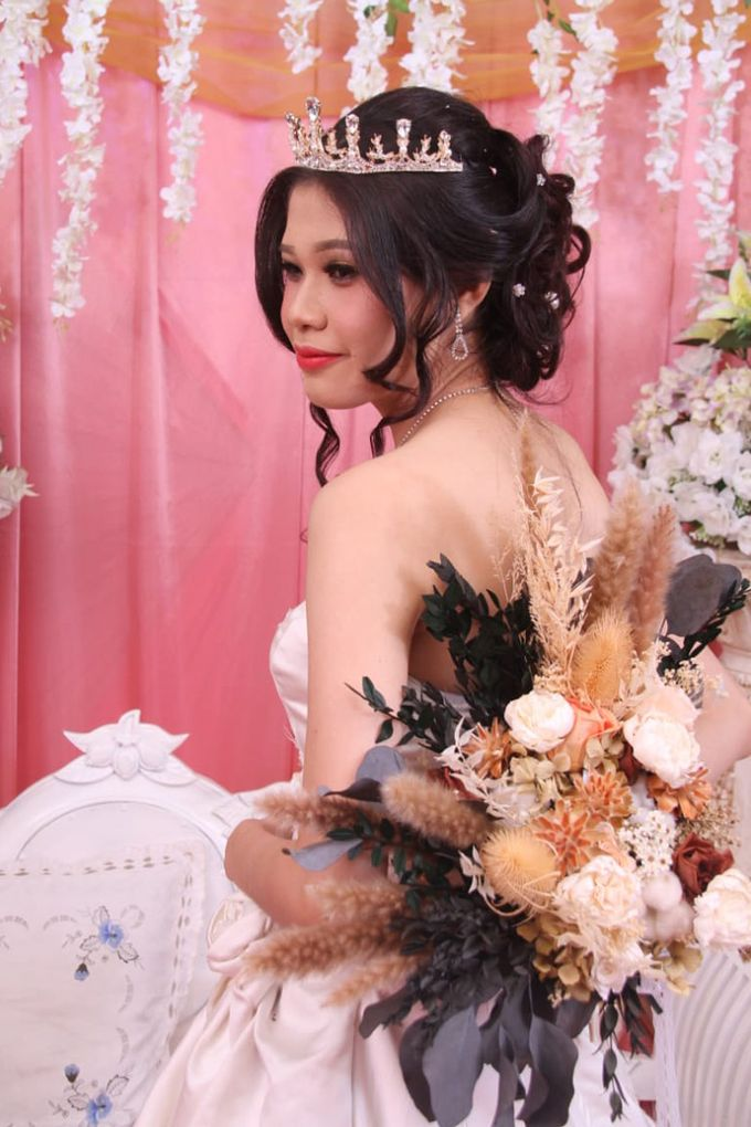 Wedding of Jonathan & Christiana by Lavish Flower - 003
