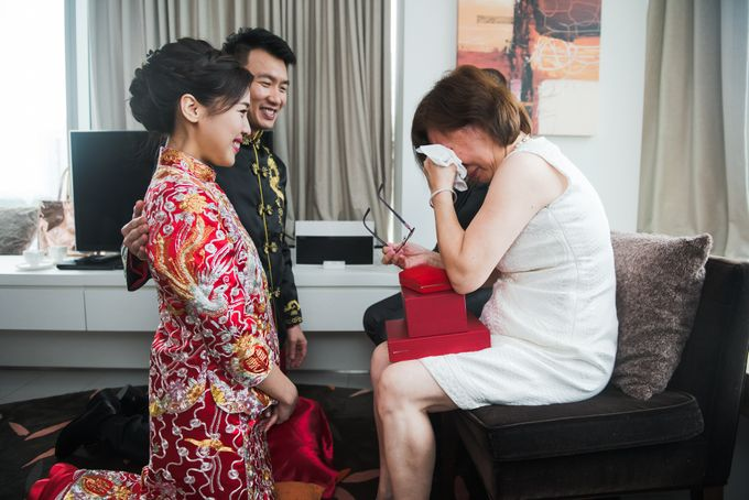 Wedding Day of Cheryl and Bobby at UNA at One Rochester Singapore by oolphoto - 012