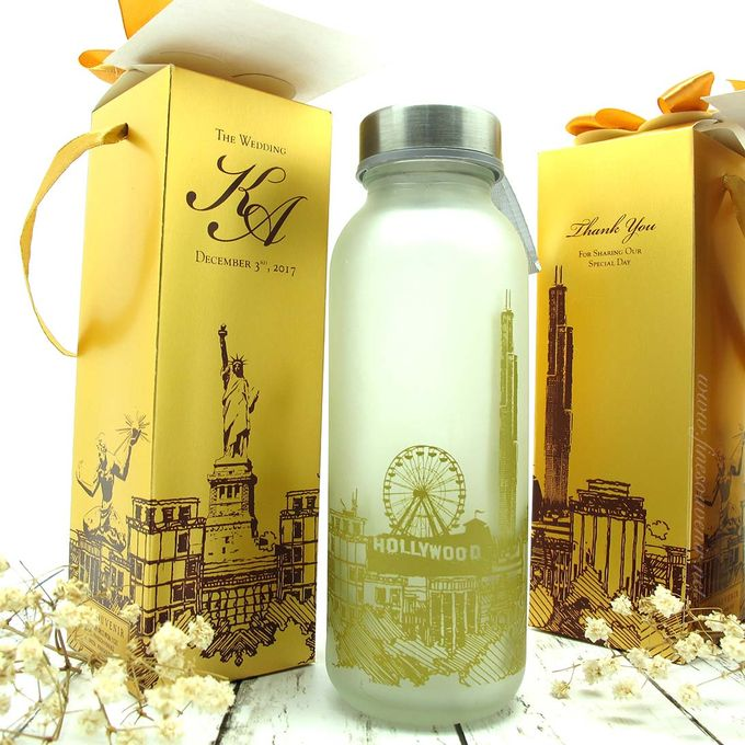 Frosted Drinking Bottle Include Packing by Fine Souvenir - 002