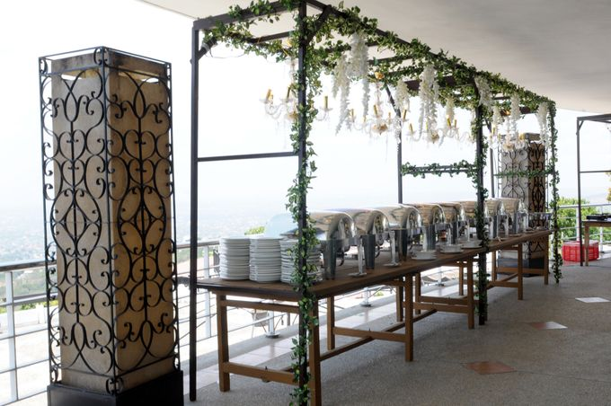 Food Station by Josiah's Catering - 001