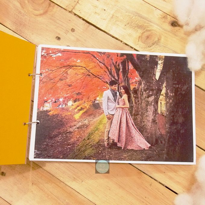 Rustic Wooden Guestbook by TalkingCard - 005