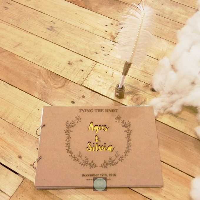 Rustic Wooden Guestbook by TalkingCard - 003