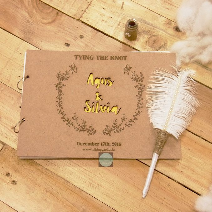 Rustic Wooden Guestbook by TalkingCard - 001