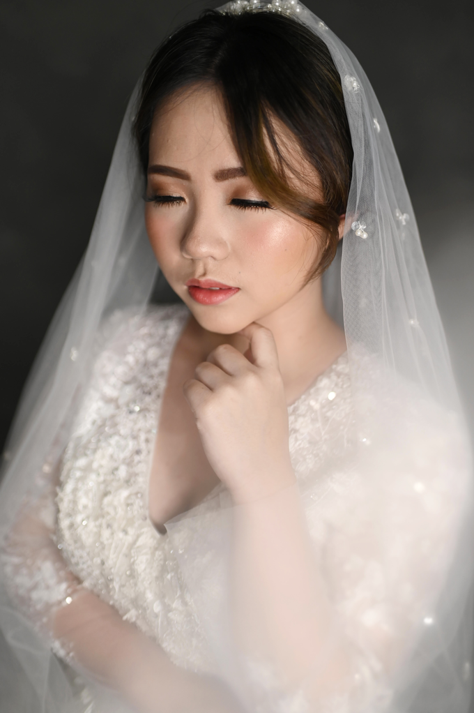 Air Brush Wedding Make Up & Hair Do for Jess by Thousand Pictures | Photo & Video - 004