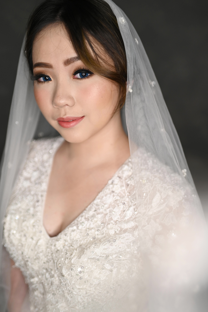 Air Brush Wedding Make Up & Hair Do for Jess by Thousand Pictures | Photo & Video - 005